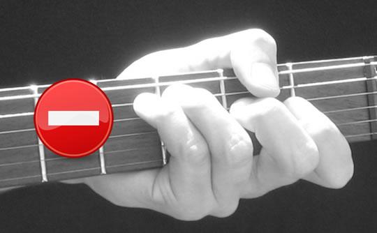 Gitarre Haltung falsch