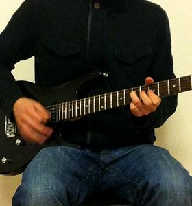 Moderne Gitarrenhaltung